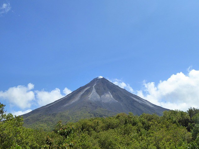 10 Cheapest Countries to Retire-Arenal Volcano, Costa Rica